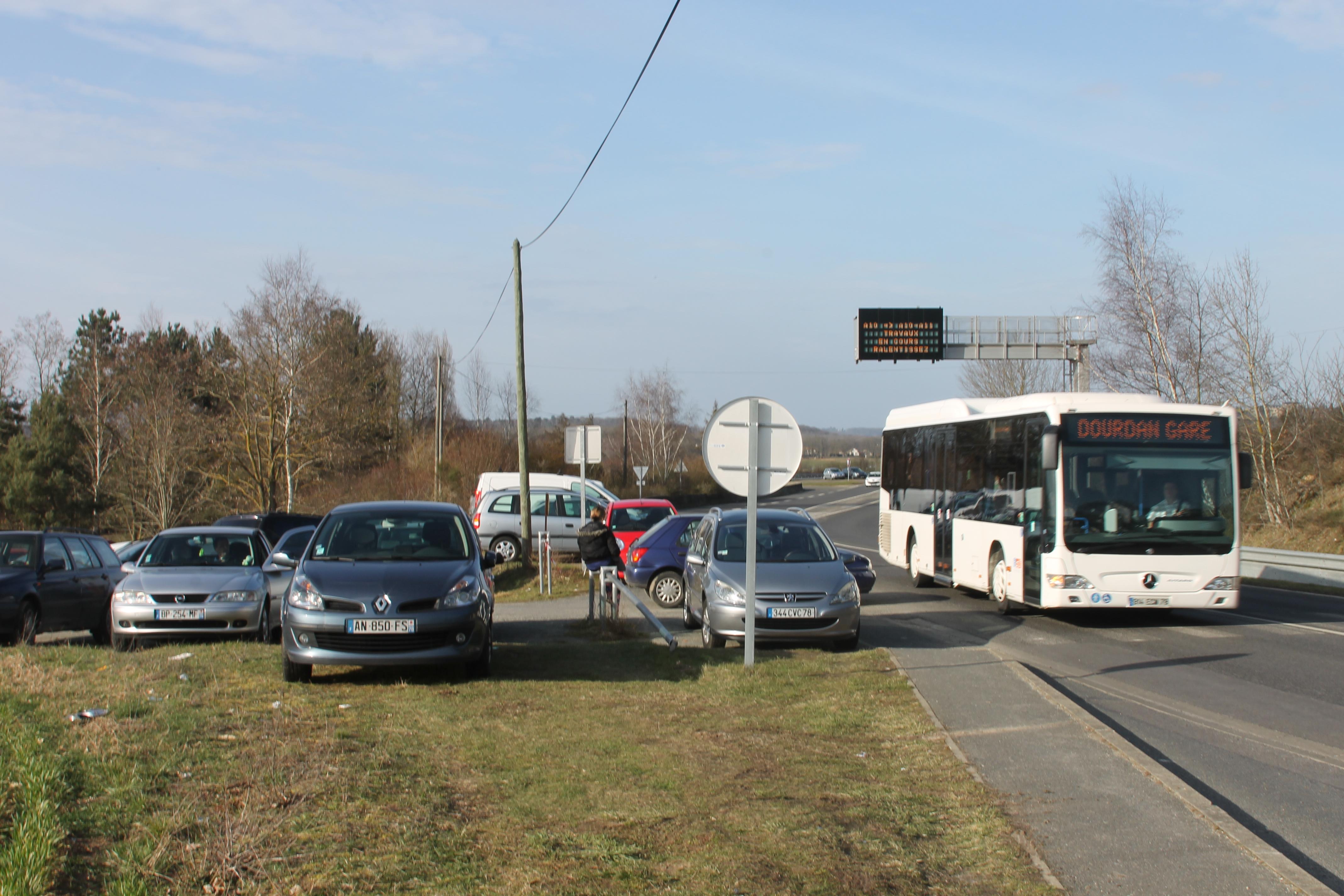 155 places de parking longvilliers yvelines infos for Longvilliers 78