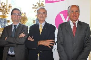 Les représentants des trois opérateurs (la Fondation Léopold Bellan, l'association COS et Medica France), lauréats de l'appel à projets.