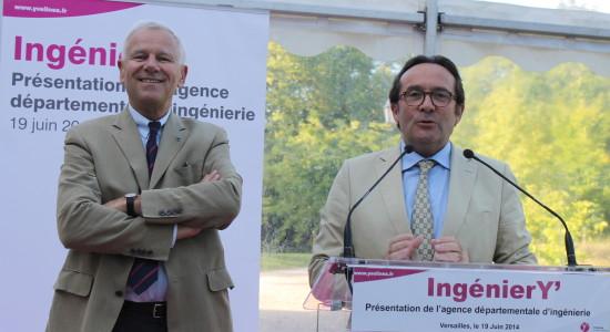 Alain Schmitz (à g.), le nouveau président d'IngénierY', et Pierre Bédier, Président du Conseil général.