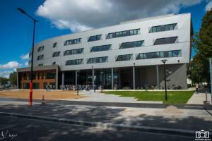 Le bâtiment HQE de l'Estaca à Montigny-le-Bretonneux  (crédit Philippe Viegas).