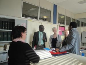 la délégation a été reçue au service de l'état civil de Mantes-la-Jolie